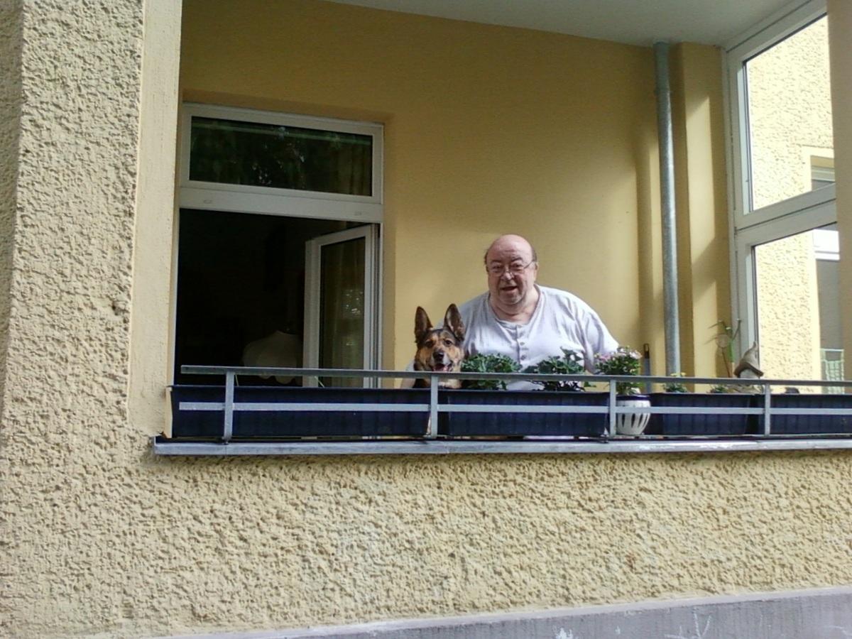 Tamy und Männe auf dem Balkon