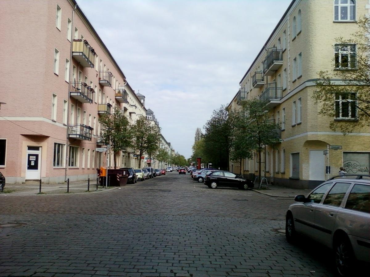 Straße 2